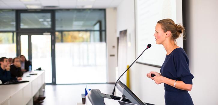Как поменять отношение к нелюбимой работе?