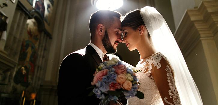 Нужно ли брать фамилию мужа после свадьбы?