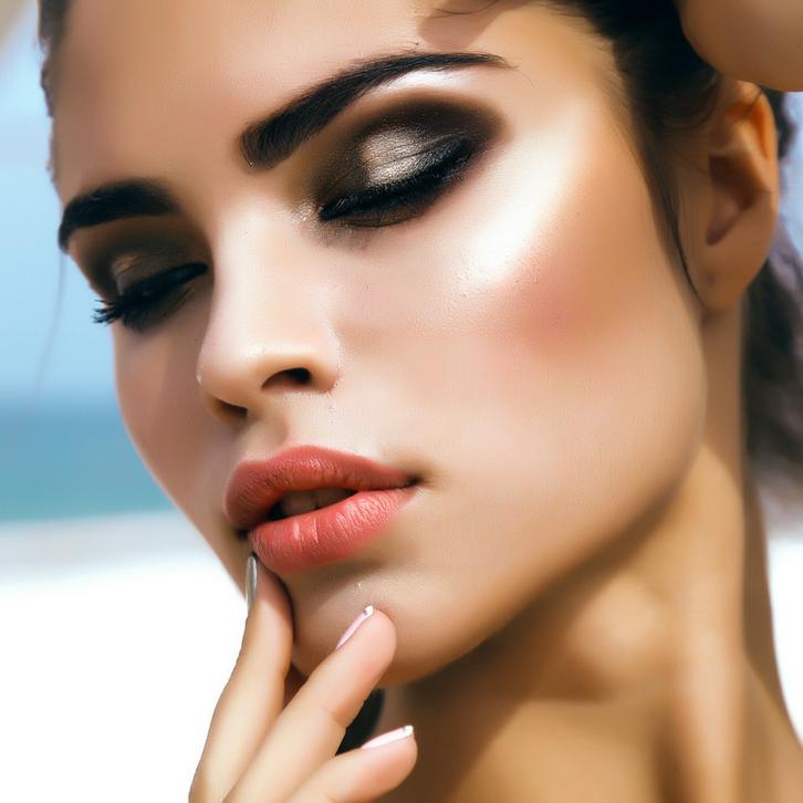 Водолеям к лицу практически любой макияж, будь то «боевой раскрас» или помада на чистом от декоративной косметики лице