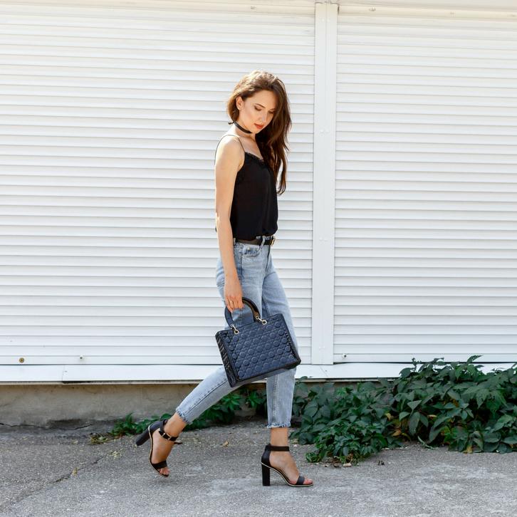 В интерпретации Весов леопардовый принт и кожаные брюки будут выглядеть не менее стильно, чем классический костюм или вечернее платье