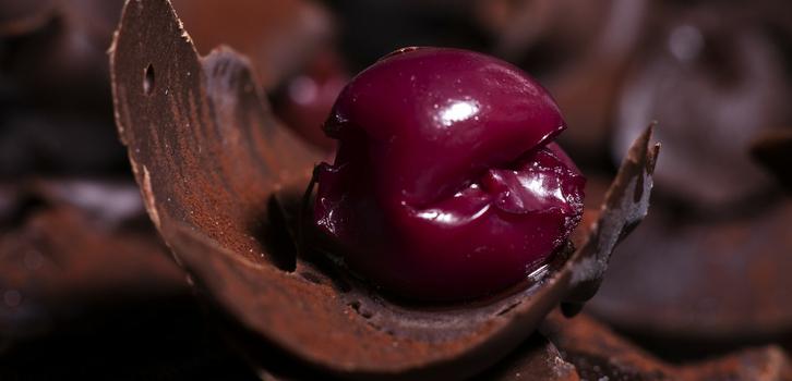 Козерог как вишня в шоколаде, сладкая, но крепкая