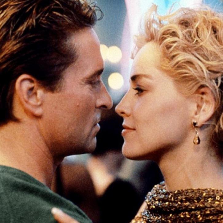 К моменту встречи с Кэтрин 56-летний Майкл Дуглас был актером первой величины. Кадр из фильма «Основной инстинкт»