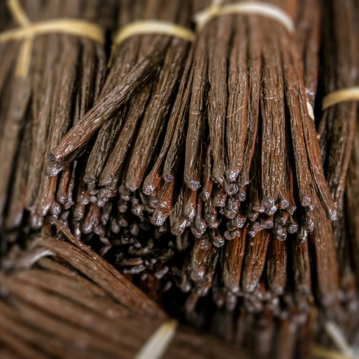 Скорпион — сладкая ваниль, которая манит своим сладким ароматом, но если ее не растереть с сахарной пудрой, испортит любое блюдо своим горьким вкусом
