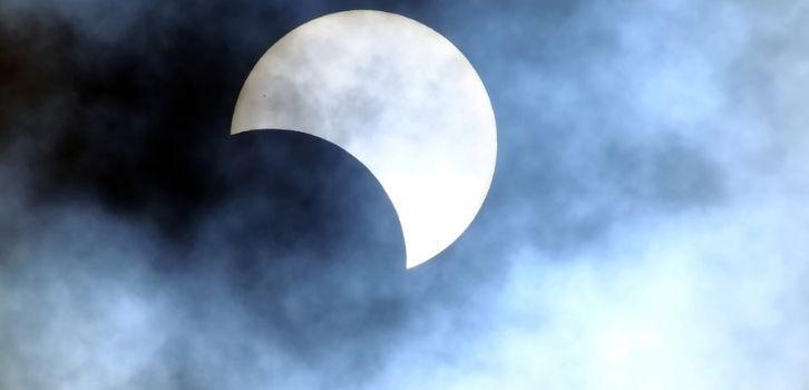 Лунное затмение в июле 2019. Рекомендации астрологов для всех знаков зодиака