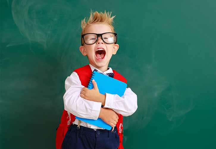 Овен на одном упрямстве способен хорошо учиться. Но есть у него в дневнике графа, в которой всегда можно найти жирную красную двойку и вежливое приглашение для родителей прийти на беседу к классному руководителю. Задира и драчун Овен от этого не в восторге, но не докопаться до того, кто «сам напрашивается» – выше его сил. А потому хватать двойки за поведение ему не привыкать.