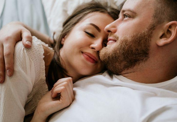 Эксперты astro7.ru рассказали о главных качествах, которые делают женщину привлекательной в глазах мужчины.