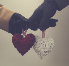 Новогодний расклад на рунах «Два сердца»