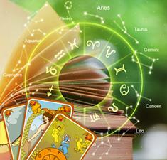 Просмотр истинного отношения человека с помощью хорара, карт рождения и расклада Таро
