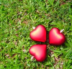 Рунический расклад «Любовный треугольник»