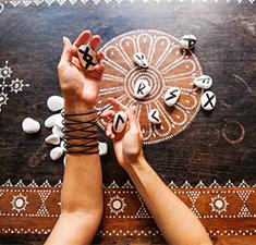Рунический расклад «Шаманский бросок»